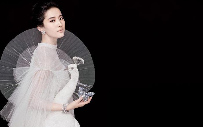 Liu Yifei | Crystal Liu | 刘亦菲 | 류이페이 | 유역비