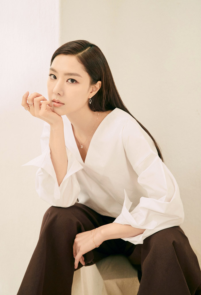 Seo JiHye | 徐智慧 | 서지혜