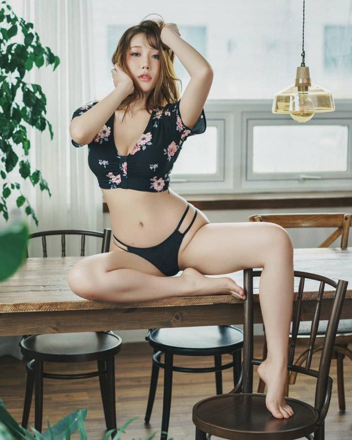 Jung YuJung   정유정